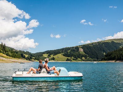 Pedal boat on the Durlassboden ©Zillertal Arena